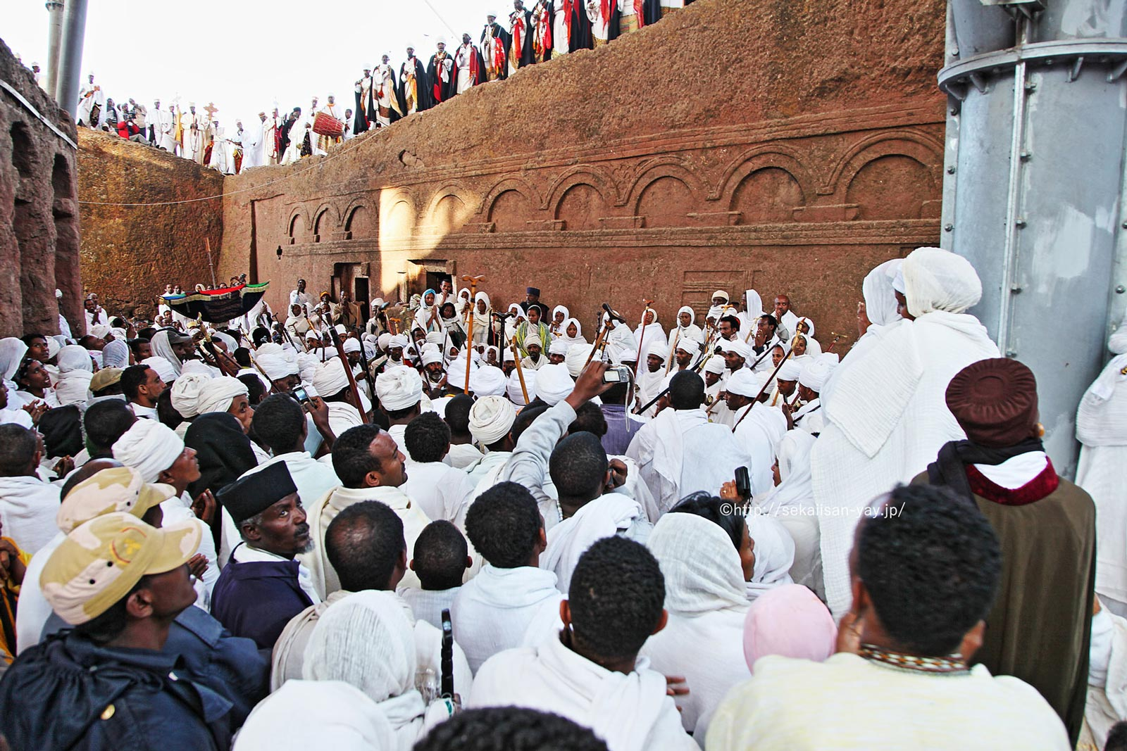 エチオピア「ラリベラの岩窟教会群」クリスマス