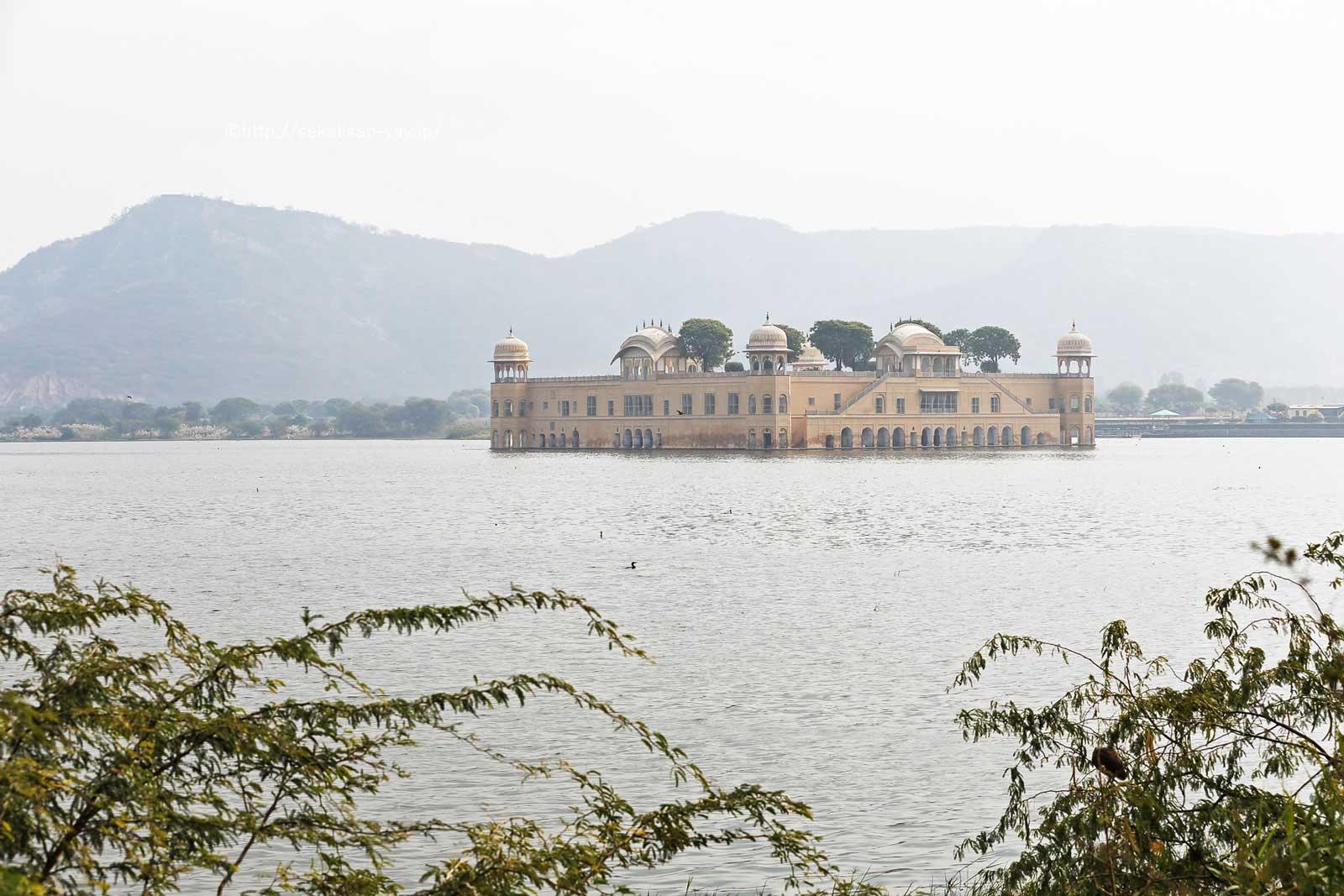 ジャイプール「水の宮殿」