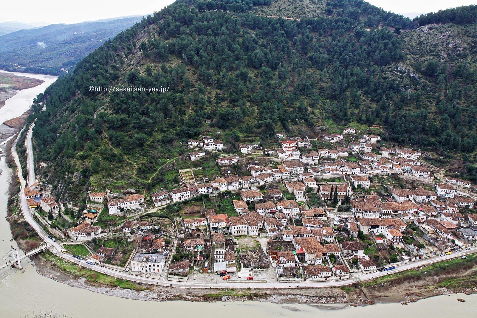 アルバニア「ベラットとギロカストラの歴史地区」