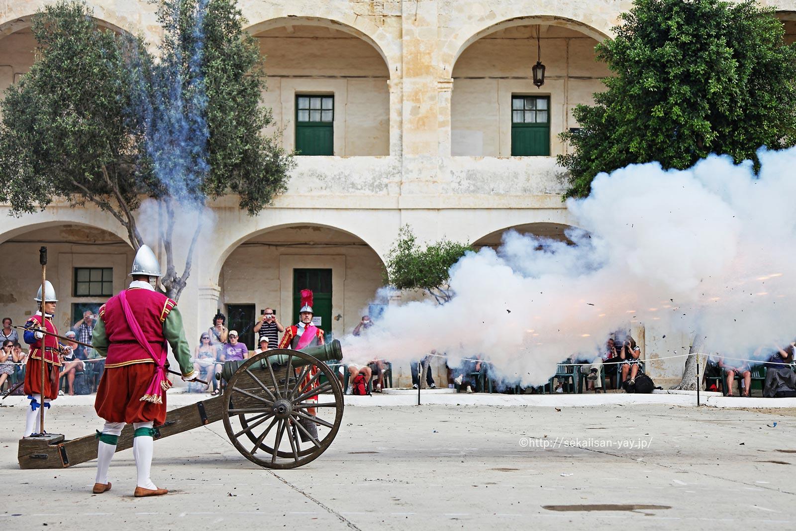 マルタ「ヴァレッタ市街」- 大砲