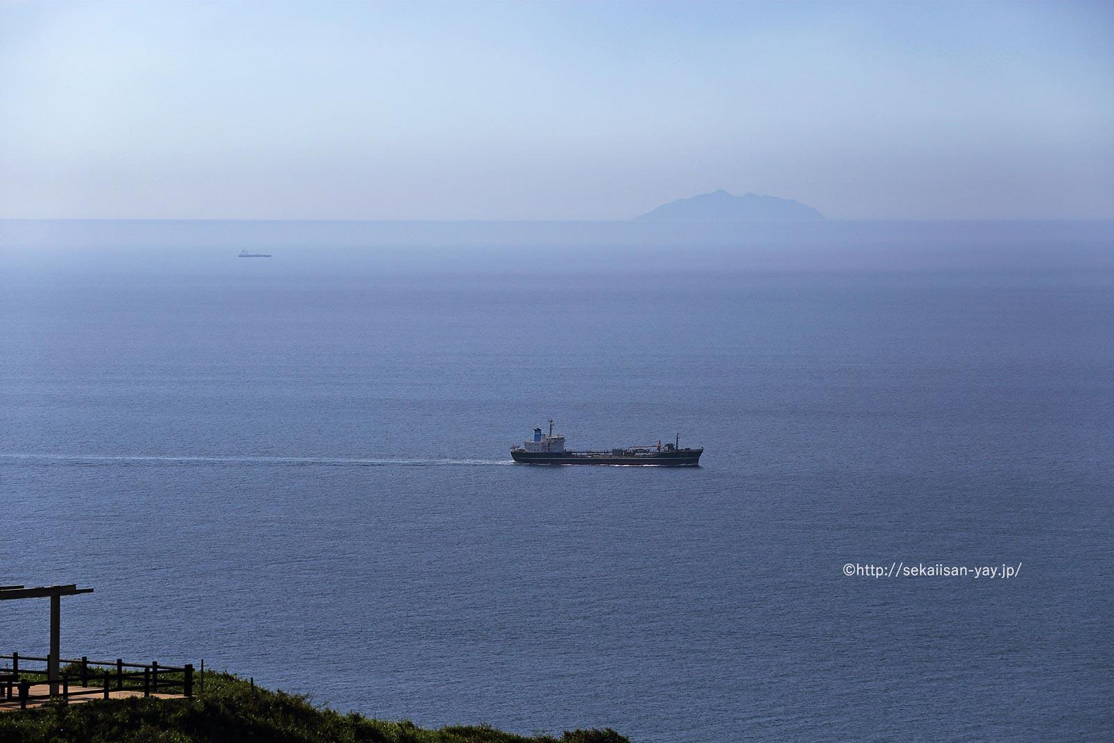 「「神宿る島」宗像・沖ノ島と関連遺産群」 - 大島から沖ノ島が見えた!